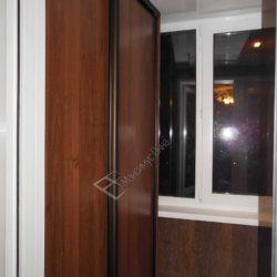 Шкаф купе спроектированный и изготовленный на заказ для лоджии