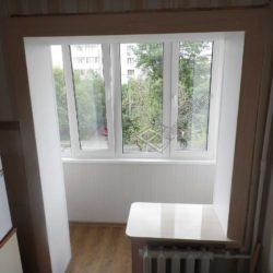 Совмещенный с кухней балкон в хрущевке