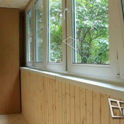 Внутренний интерьер балкона после работы мастеров.