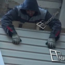 Обшивка балкона сталинки сайдингом