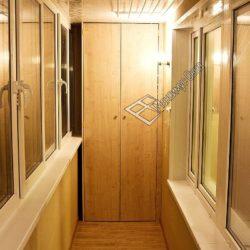 Двустворчатый встроенный шкаф для 6 метровой лоджии