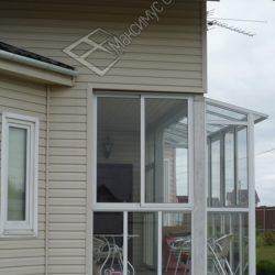 прозрачная крыша на балконе частного дома