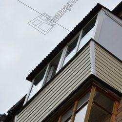 пример монтажа крыши на балконе
