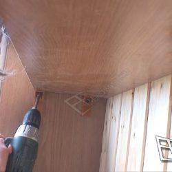 Сборка шкафа купе встроенного на балконе с остеклением и внутренней отделкой