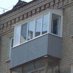 Крыша балкона установленная при застеклении