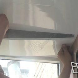 Потолок балкона зашивают пвх панелями