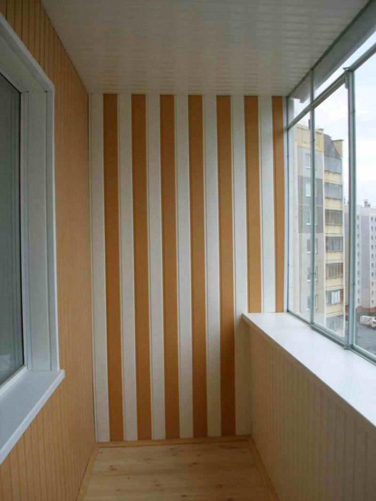Отделка балкона или лоджии пластиковыми панелями под ключ в Москве и области