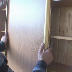 Монтаж раздвижных дверей шкафа купе на балконе