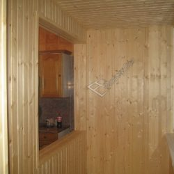Обшивка балкона деревянной вагонкой под ключ