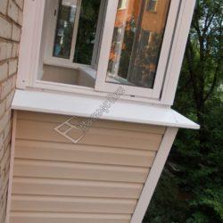 Балкон остекленный алюминиевыми оконными системами