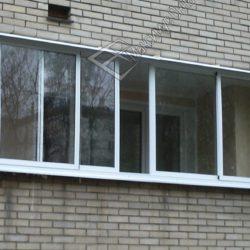 Лоджия остекленная раздвижными алюминиевыми окнами