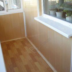 Пластиковые панели остекленного с выносом балкона хрущевки