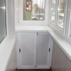 Внутренняя отделка балкона ПВХ панелями после остекления