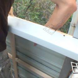 установка наружной отделки на балконе