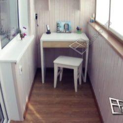 Примеры обустройства кабинетов на маленьких балконах