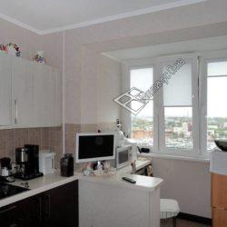 балкон присоединенный к комнате на кухне
