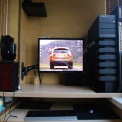 игровой компьютерный стол на лоджии