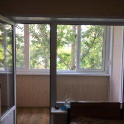 вид на балкон из комнаты фото