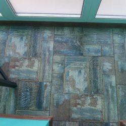 ламинат на полу лоджии
