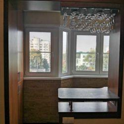 Вид на пластиковые окна с кухни