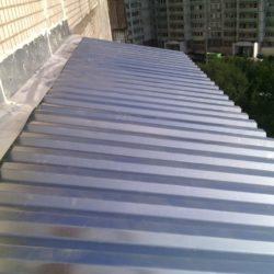 Крыша на балконе из горфолиста