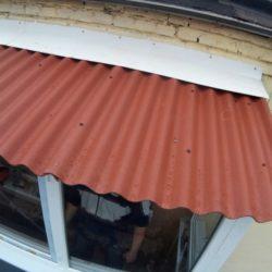 балкон с крышей из керамопласта