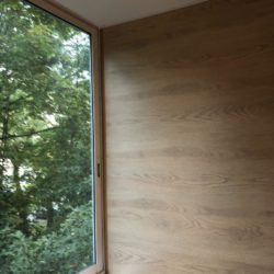 обшивка стен балкона ламинатом фото