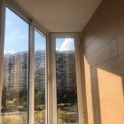 ламинат на стену балкона
