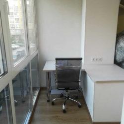 Стол под компьютер на балкон