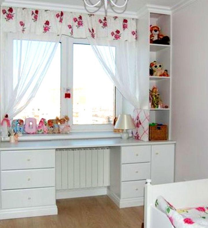 окно в детской комнате