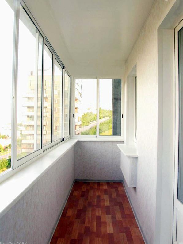 Остекление балконов в Строгино
