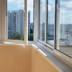 Полутеплое остекление балкона