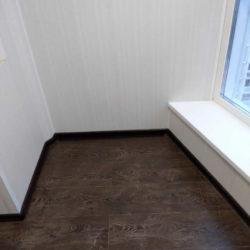 отделка балкона панелями ламинатом